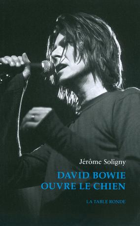 David Bowie ouvre le chien
